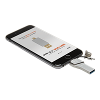 PNY-USB-Flash-Drive-DUOLINK-Apple-32GB-iPhone-use.png