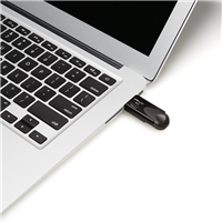 PNY-USB-Flash-Drive-Attache4-Turbo-16GB-use.png