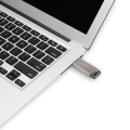 PNY-USB-Flash-Drive-Pro-Elite-Metal-1TB-use.png