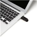 PNY-USB-Flash-Drive-Attache4-Black-32GB-use.png
