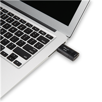 PNY-USB-Flash-Drive-Elite-X-256GB-use.png