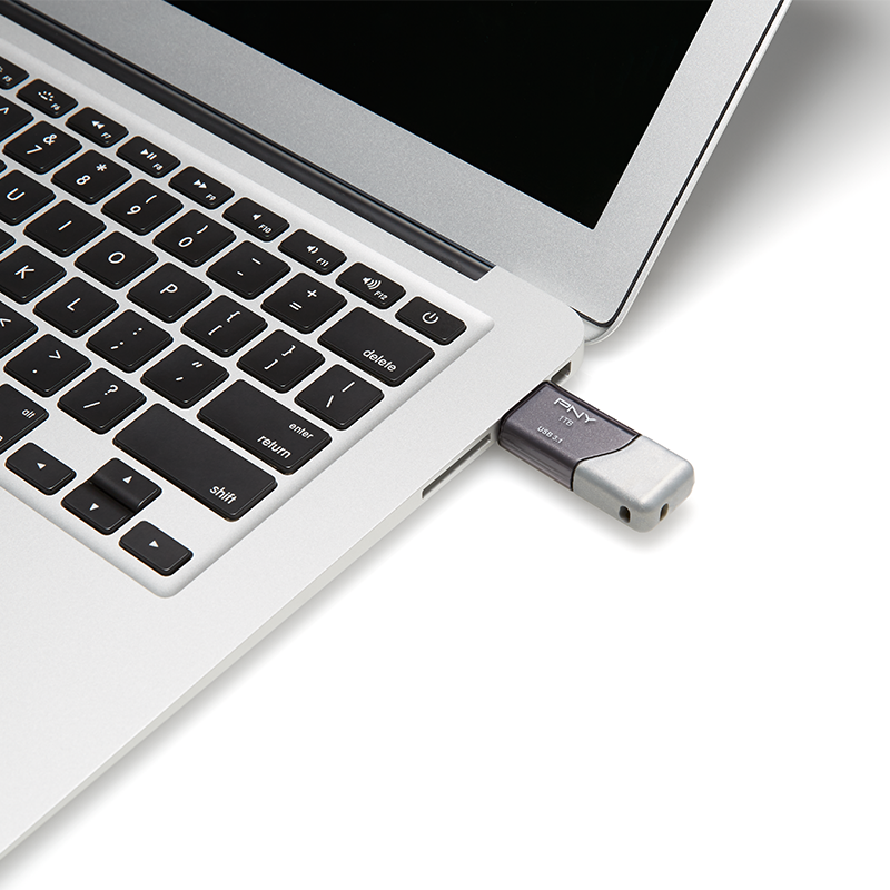 5_PNY-USB-Flash-Drive-Turbo-Attache-3-3.1-1TB-use.png
