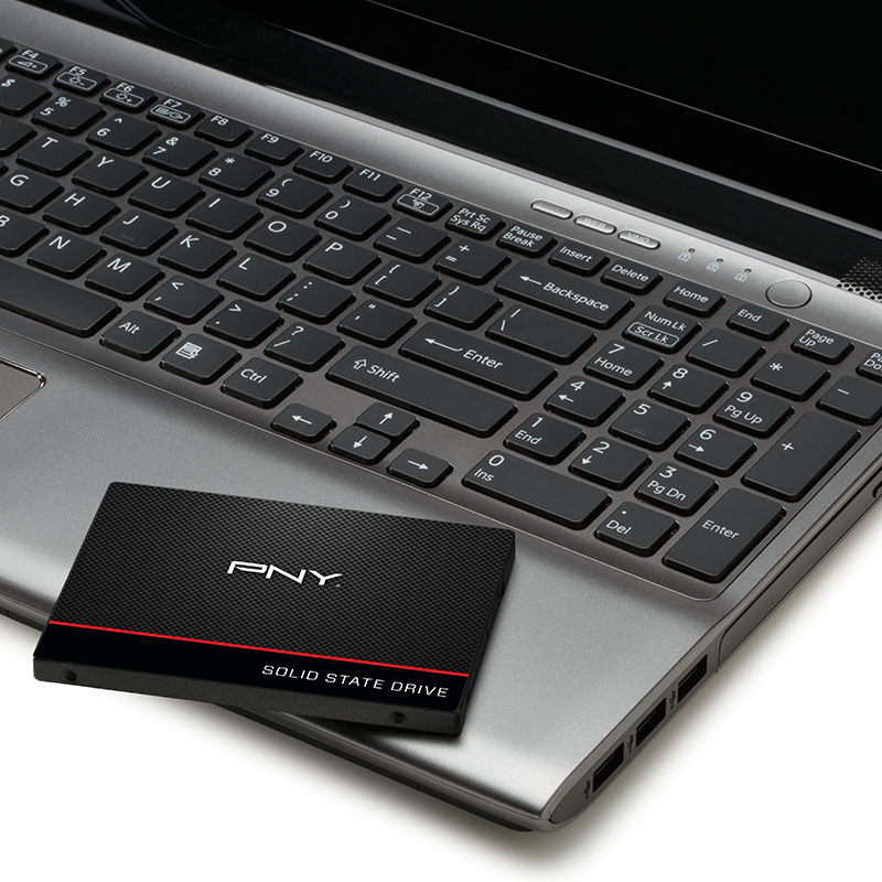 9_PNY-SSD-CS1311-laptop-use.png